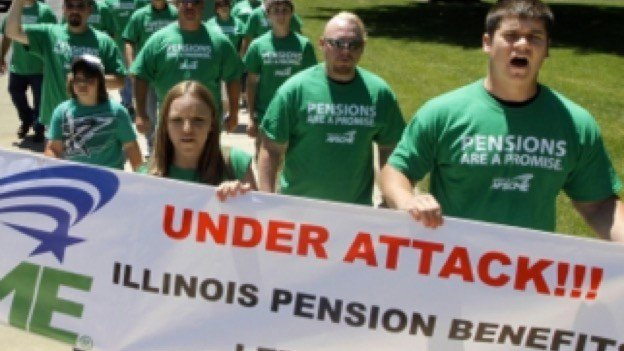 File photograph of pension protesters courtesy of: National Legal and Policy Center (http://nlpc.org/stories/2015/06/01/can-gov-rauner-put-illinois-pension-funds-black)