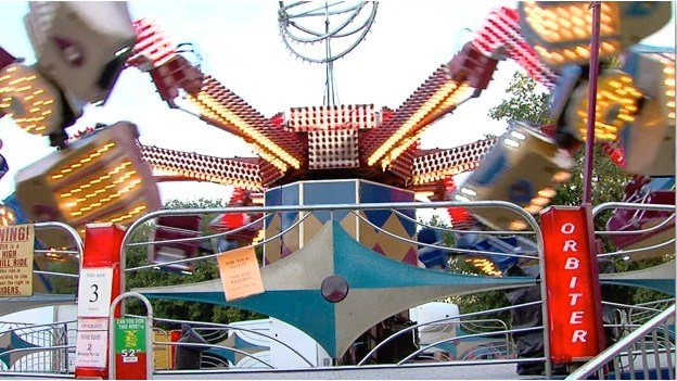 Passenger plunges to his death at U.S. fair as ride comes apart