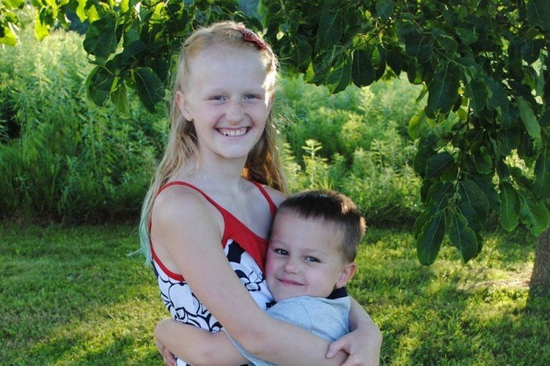 Jaylee and Wes Stone