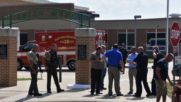 One injured after active shooter storms IL high school