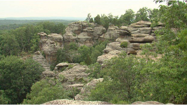 Kentucky woman killed in fall at Garden of the Gods - WSIL-TV 3 ...
