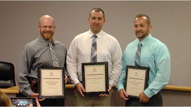 Perry County deputies honored for life saving action - WSIL-TV 3