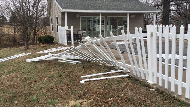 Strong winds cause damage to homes across southern for Home builders in southern illinois