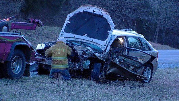 Multiple injuries after two-car crash near Cobden - WSIL-TV 3