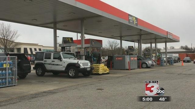 Armed Robbery At Kroger Gas Station In Carbondale Wsil Tv 3