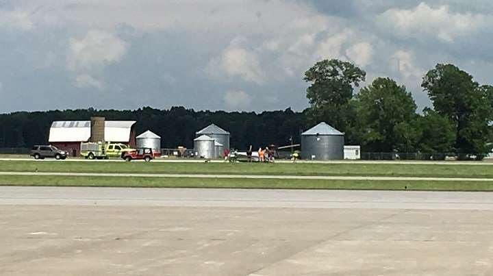 Small plane flipped during landing at Southern Illinois Airport