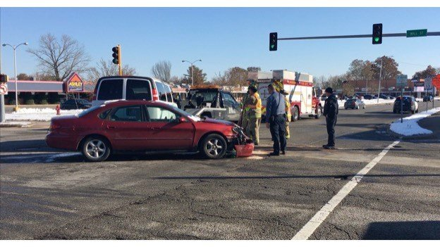 Two injured in three-car crash - WSIL-TV 3 Southern Illinois