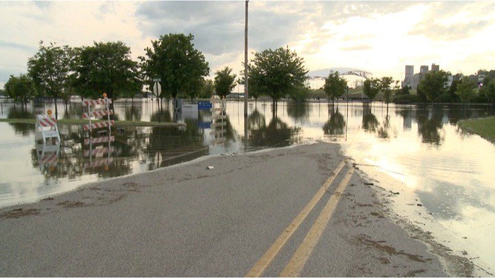 Rains mean even worse flooding on the Mississippi River